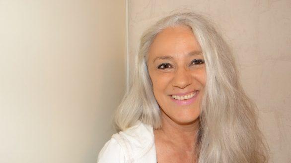 Couleur grise: la tendance du moment chez les femmes