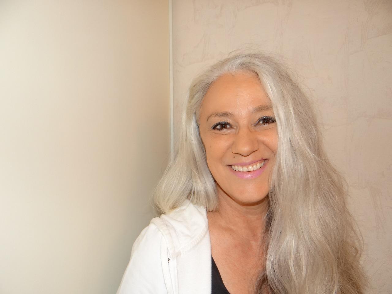 Couleur gris anthracite pour cheveux