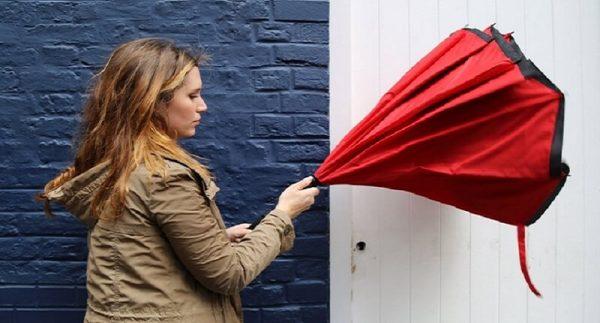 parapluie inversé design rouge