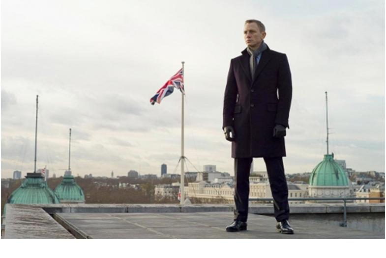 5 Raisons pour lesquelles James Bond reste la référence absolue en matière de style