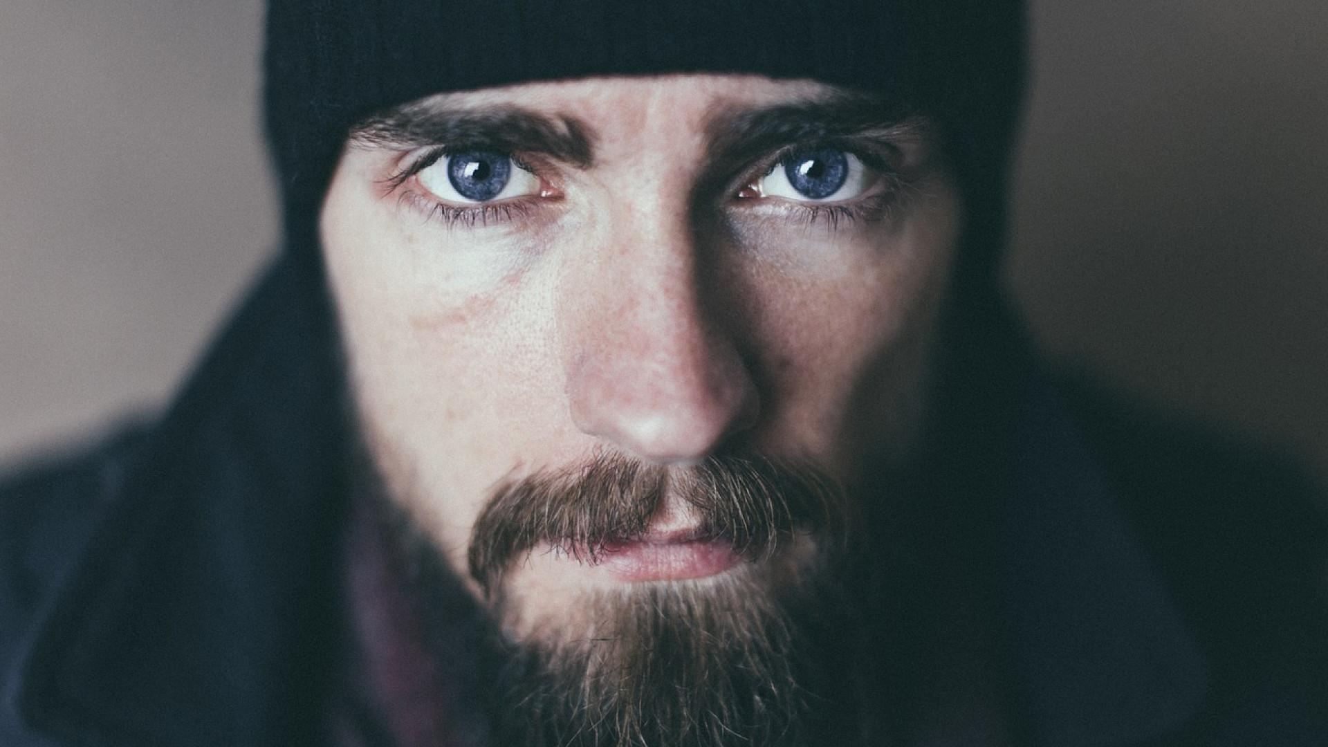 Les hommes s'affirment et portent la barbe à merveille