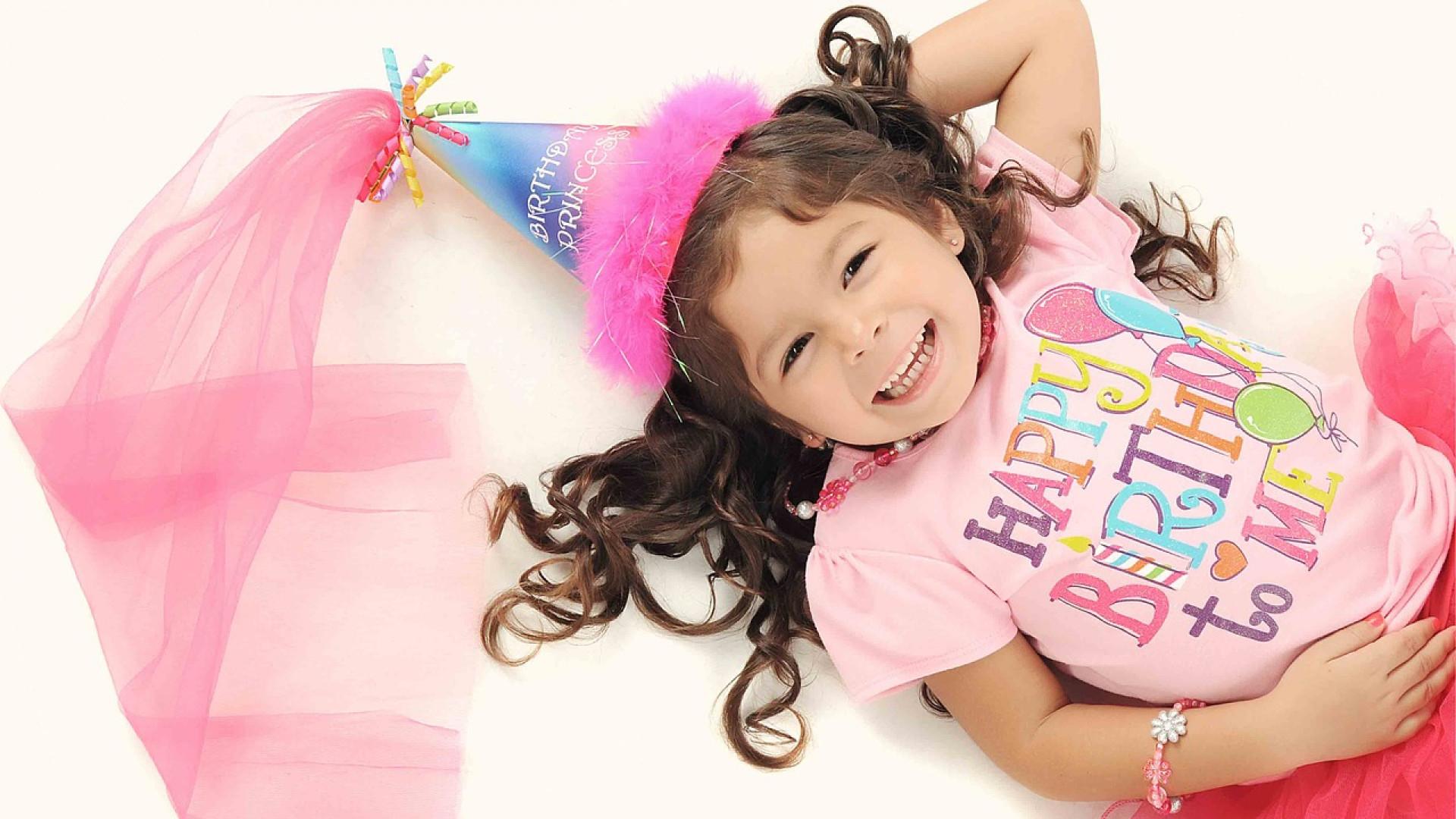 Anniversaire enfant : le cour de maquillage un incontournable