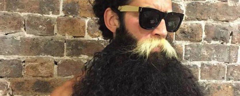 La mode est aux hipsters : des extensions à barbe, ça marche ?
