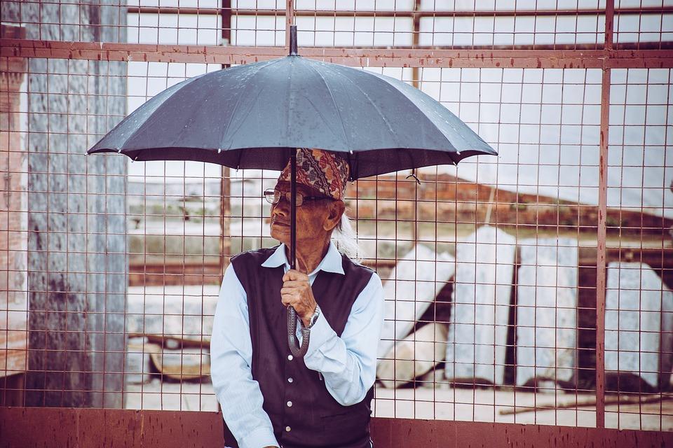 Le parapluie inversé : un accessoire à la fois tendance et pratique
