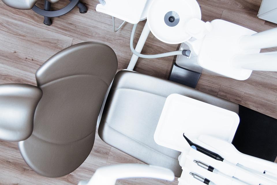 Tout ce que vous devez savoir sur les implants dentaires