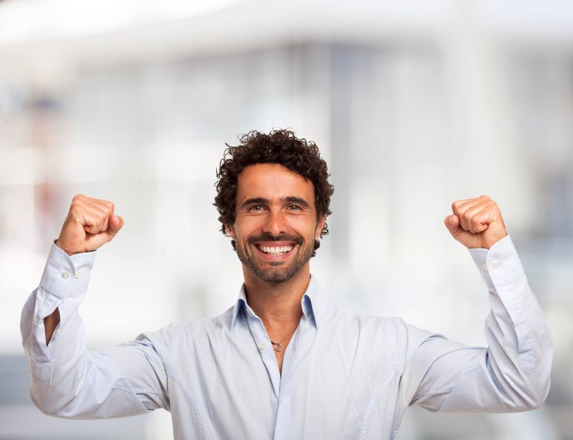 Homme : Soyez plus sereins avec le yoga du rire