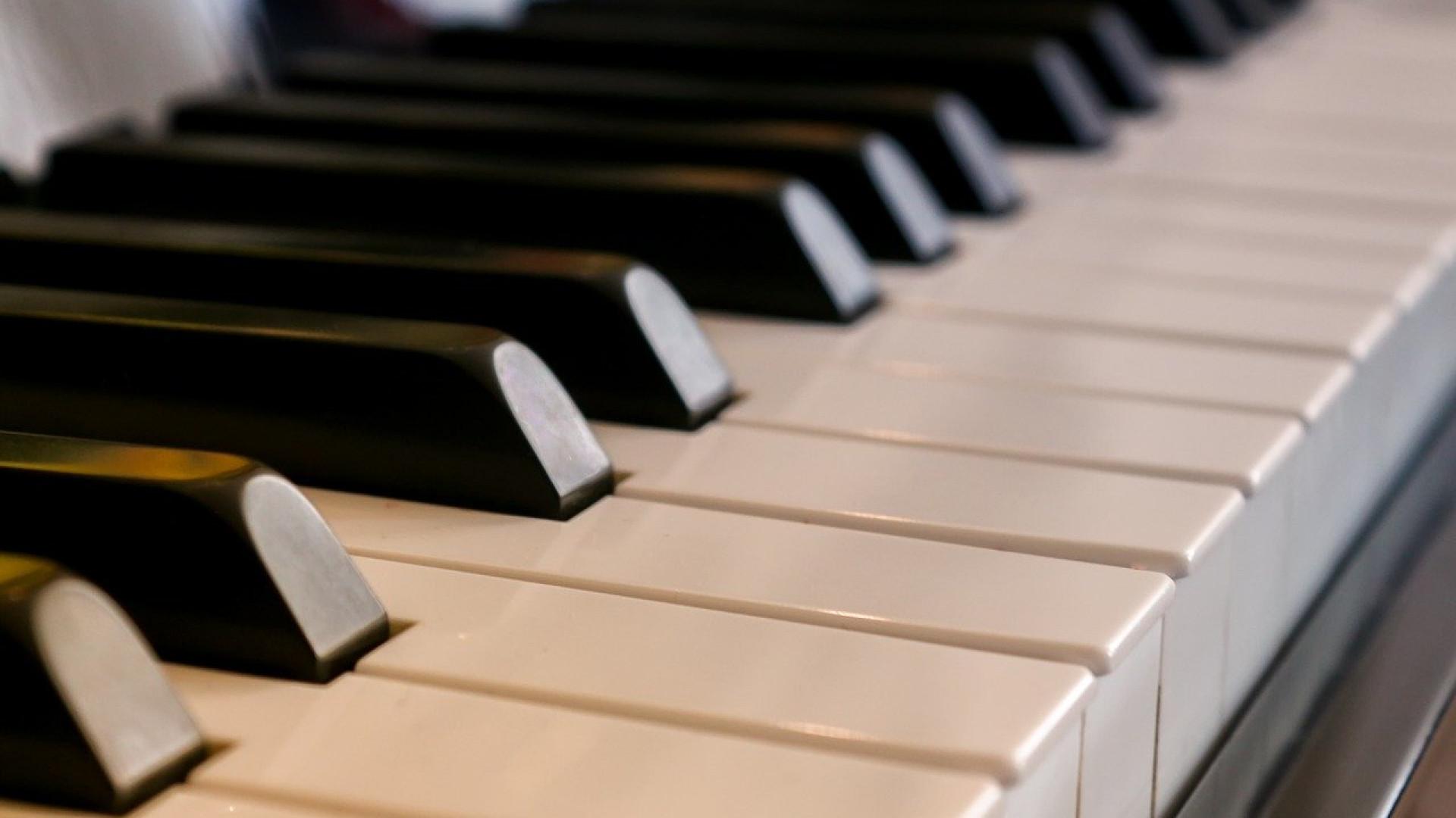 Piano numérique : comment choisir un modèle débutant ?