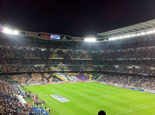 Les spectateurs dans un stade