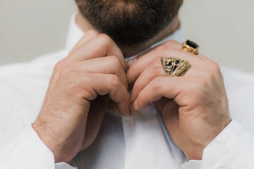 Quels sont les bijoux tendances à offrir à un homme à la Saint-Valentin ?